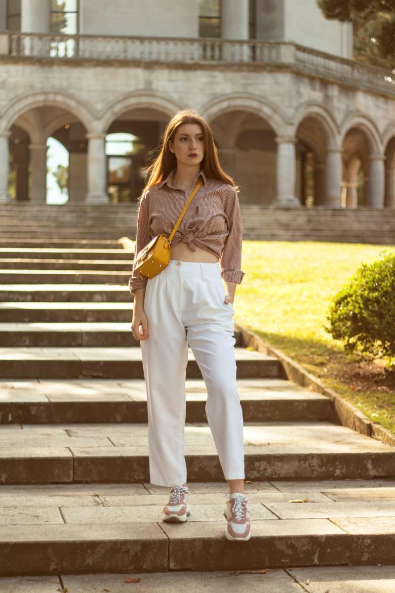 ¿Cómo llevar el pantalón blanco en otoño?- Martina Lubián