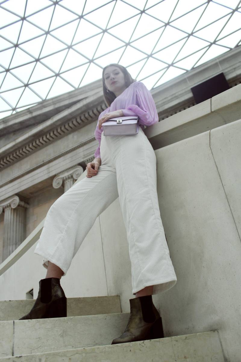 Pantalón culotte de pana y blusa lila- Martina Lubián