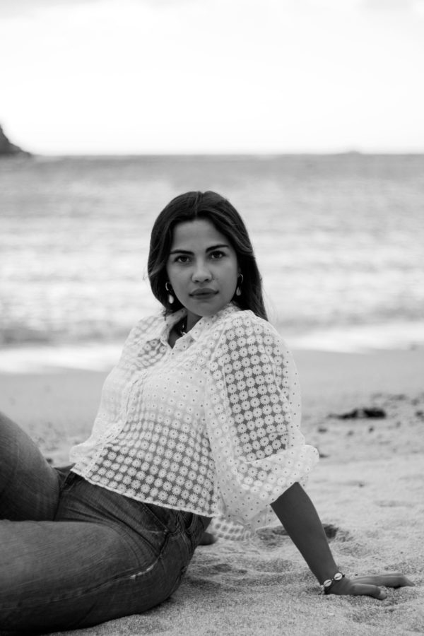Elena- Girl at the beach wearing jeans- Martina Lubian - Fashion Photography