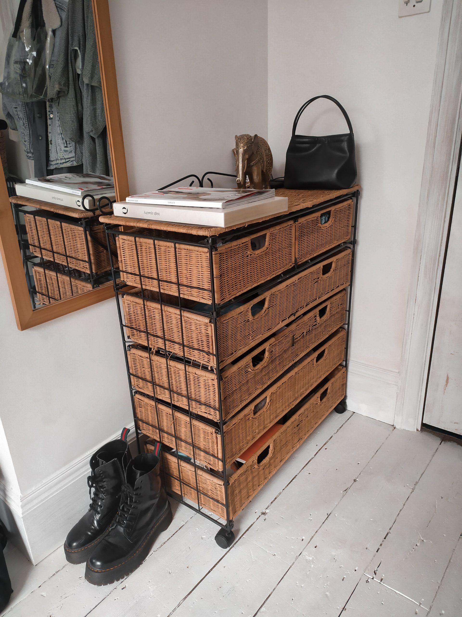 habitacion pequena sin armario martina lubian